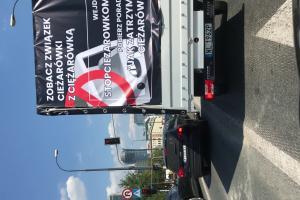 """Krzysztof Gonciarz wyśmiewa """"furgonetki anty-LGBT"""""""