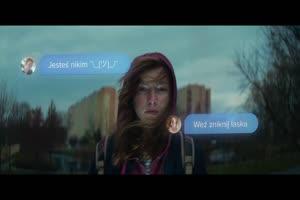 Niewidzialna przemoc – SOS Wioski Dziecięce z nową kampanią społeczną  o cyberprzemocy wśród nastolatków