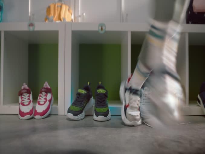 Buty gadają w szatni przedszkola w reklamie Eobuwie