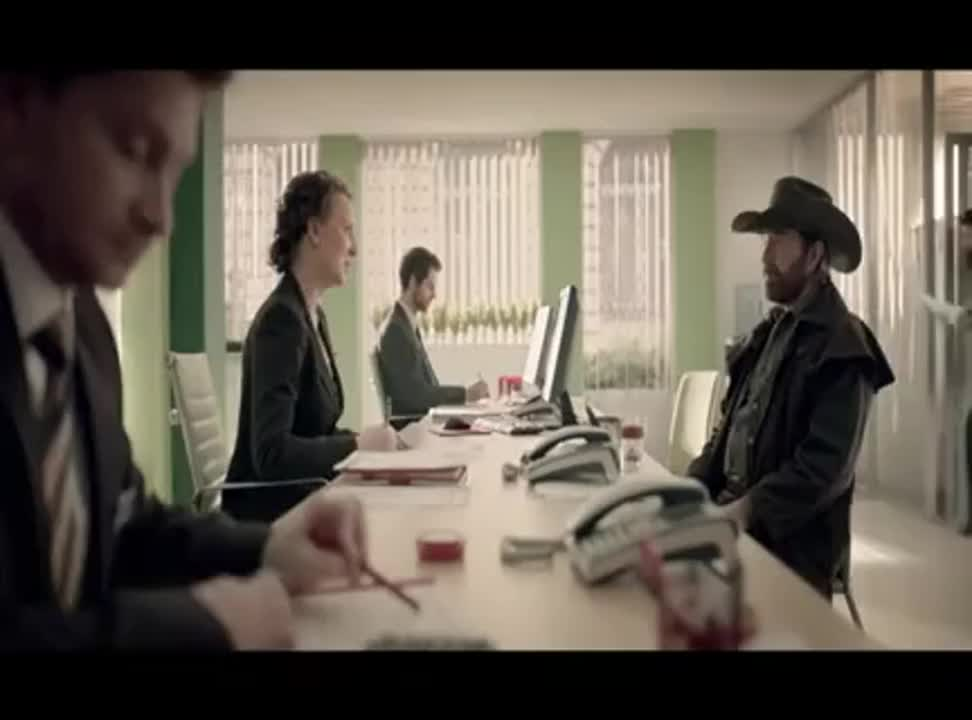 Chuck Norris w reklamie BZ WBK z remontem