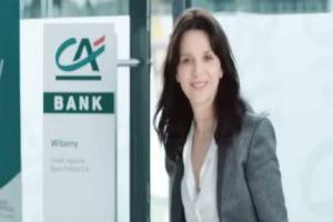 Credit Agricole Bank Polska - reklama z Juliette Binoche i krzeslem