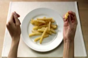 ketchup Kotlin - reklama z frytkami