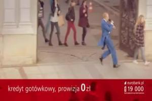 Piotr Adamczyk spiewa w reklamie kredytu w eurobanku
