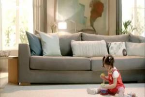 dziecięca para reklamuje urządzenia kuchenne Beko