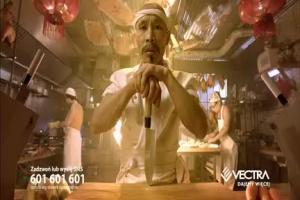 Błyskawiczny kucharz azjatycki reklamuje internet w Vectrze