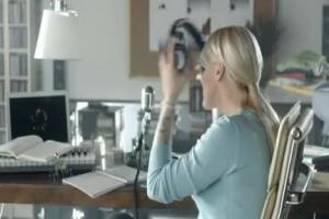 Agnieszka Chylińska reklamuje ubezpieczenia zdrowotne w Avivie