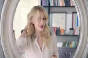 Matka, studentka i fashonistka jako konsultantki reklamują Avon (2)