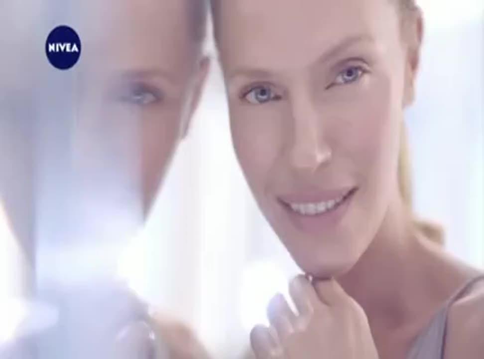 Rozbudź młodość swojej skóry w reklamie Nivea Cellular Anti Age