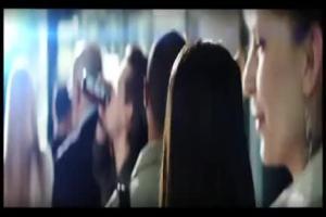 Mike Tyson jako pilot reklamuje Black Energy Drink