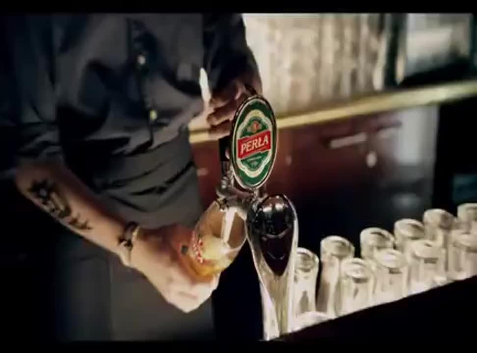Mieszkańcy Lublina reklamują piwo Perła
