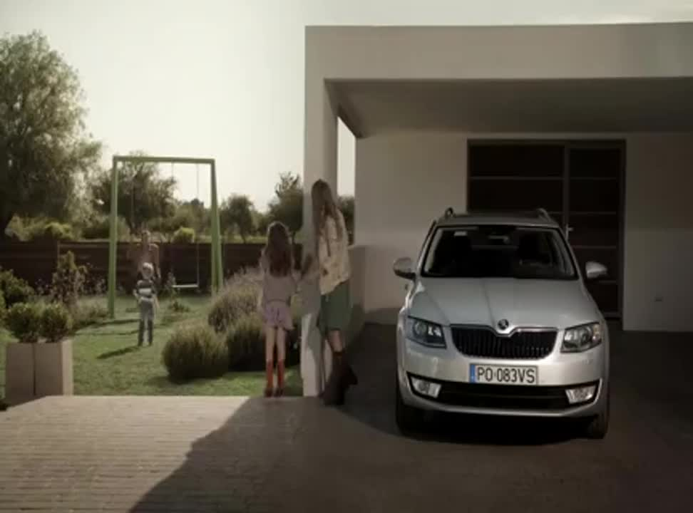 """""""Amazing"""" i """"chwile, dla których warto żyć"""" reklamują Škodę Octavia Combi"""