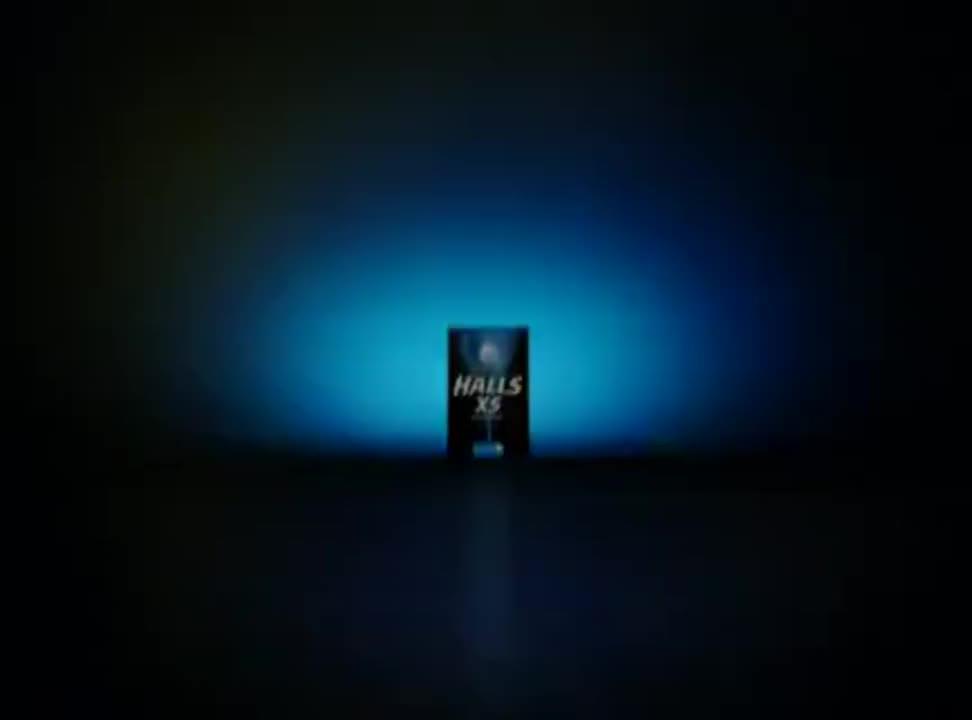 Mini rozmiar mega efekt - reklama Halls XS