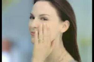 """""""Piękno to radość życia"""" w kampanii Nivea Visage Q10 Plus Light"""