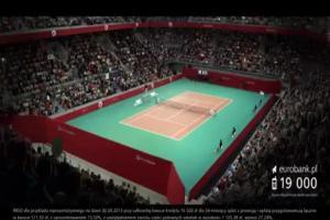 Adamczyk jako podwójny tenisista reklamuje kredyt gotówkowy z casbackiem w eurobanku
