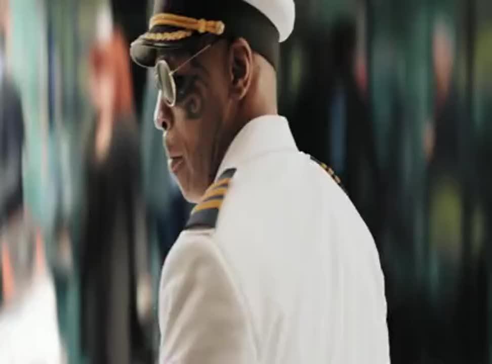 Back to Black - pilot Mike Tyson znów reklamuje Black Energy Drink