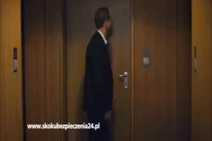 SKOK Ubezpieczenia - spot z Arturem Żmijewskim reklamujący polisę mieszkaniową