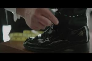 Kevin Spacey u krawca reklamuje kredyt dla firm w BZ WBK