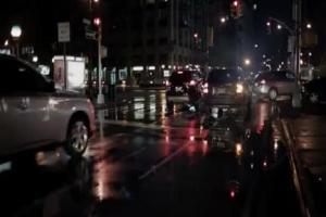 Mitsubishi Outlander reklamowany w różnych warunkach