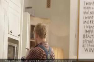 Piotr Adamczyk jako wielodzietny ojciec reklamuje aplikację mobilną eurobanku