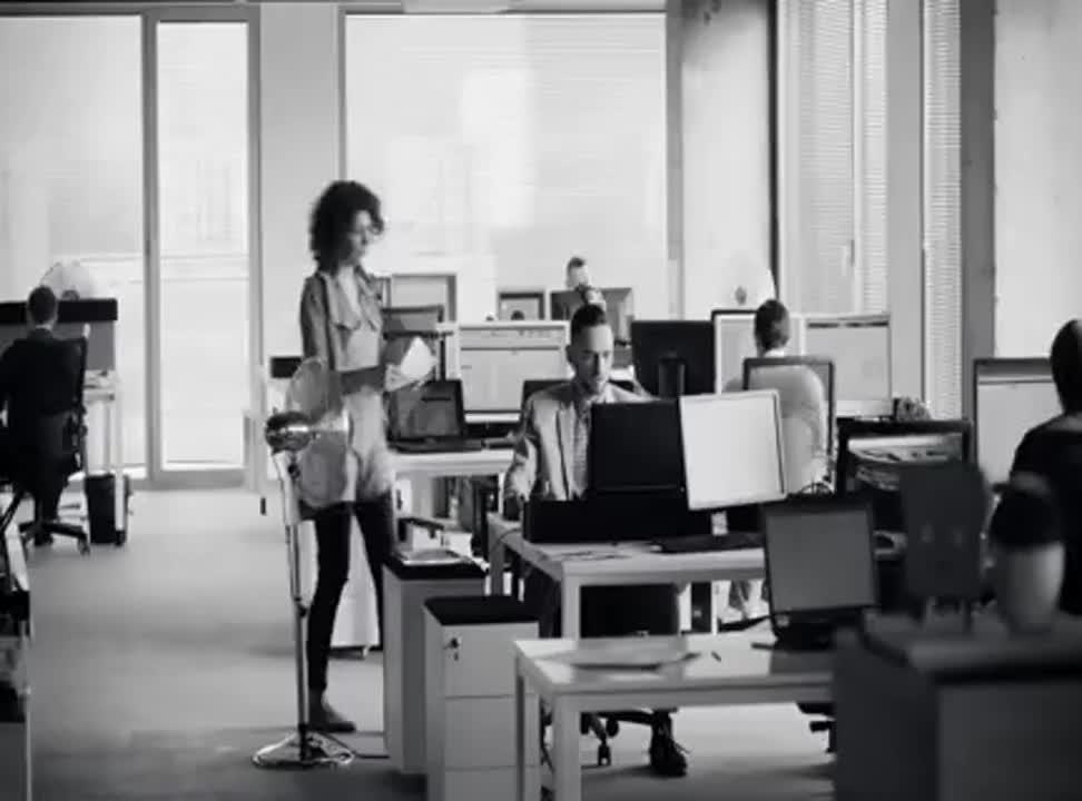 …i jest okazja - reklama Sznaps de Luxe