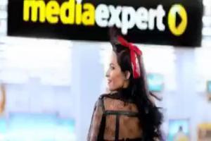 Ewelina Lisowska śpiewająco reklamuje Media Expert