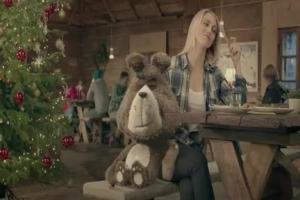 Aerobik Plushaka w świątecznej kampanii Plush Mix