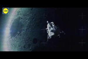 Brodnicki i Okrasa reklamują Lidl z dorszem i schabem na księżycu