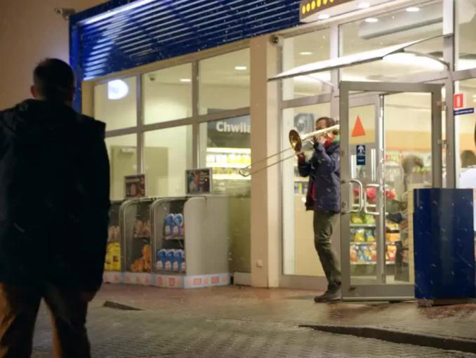 mBank musicalowo reklamuje mOkazje na stacjach Statoil