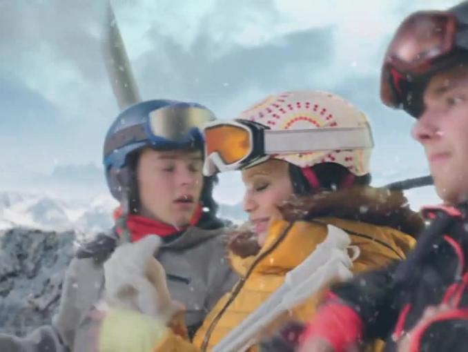 Rodzinka.pl na nartach reklamuje Super Smart Plan w Orange