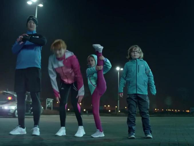 Back to The Cathlons - reklama butów w sklepach Decathlon