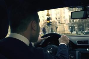 """Jarosława Gugała w kampanii """"Trzy kolory"""" o bezpiecznej jeździe samochodem"""