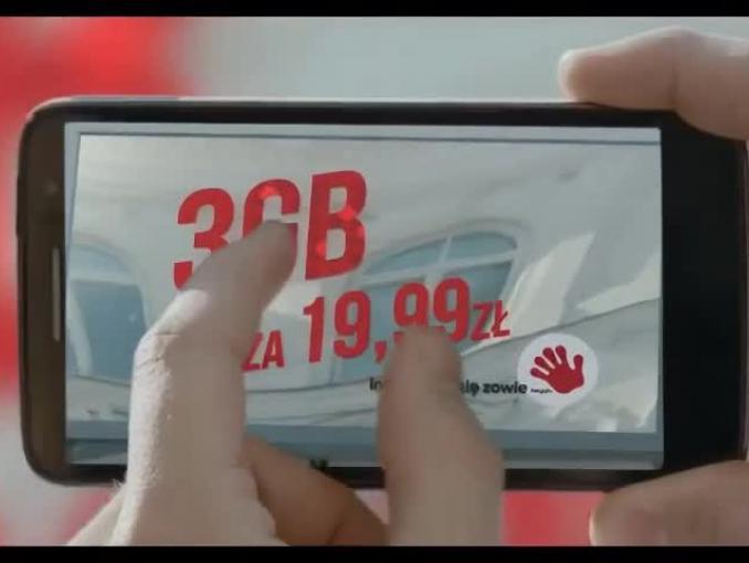 "Heyah bez brand heroes reklamuje ""smartfonowy internet"""