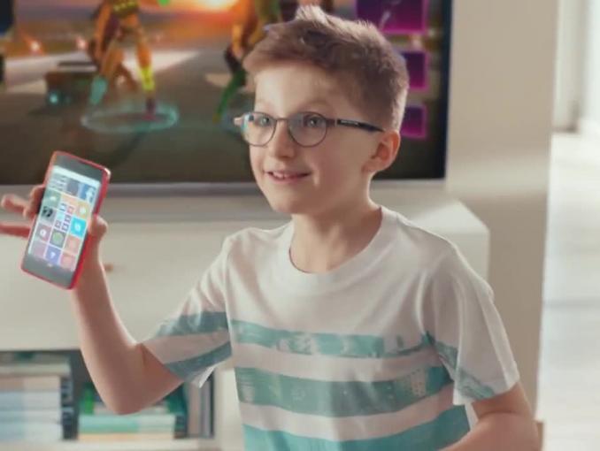 Rodzinna rywalizacja o dostęp do konsoli reklamuje Xbox One