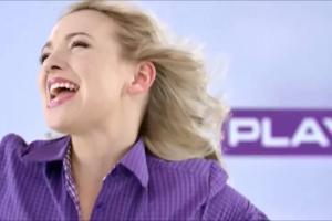 Kamil Stoch latająco reklamuje Formułę Smartfon Unlimited w Play