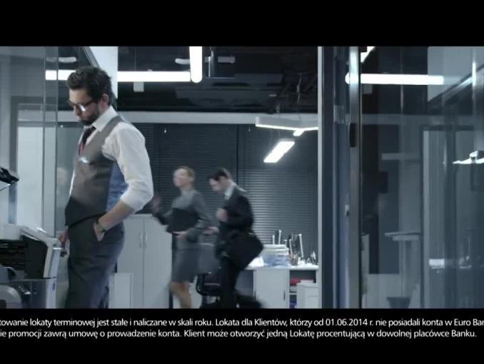 Piotr Adamczyk reklamuje lokatę procentującą na 4 proc. w eurobanku