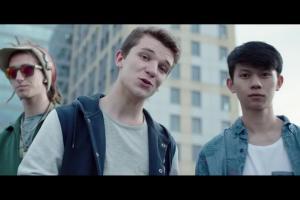 """""""Twoje życie jest ważne"""" - nastolatki z Markiem Grechutą w reklamie Nationale-Nederlanden"""
