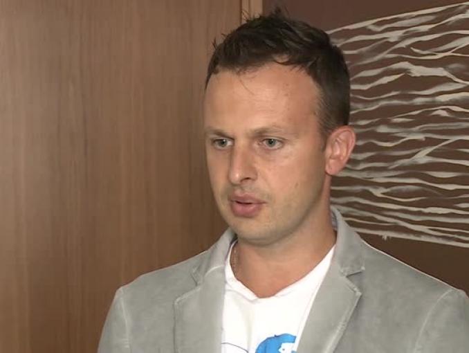 Jarosław Kuźniar otwiera kolejny serwis podróżniczy. Ma 100 tys. zł