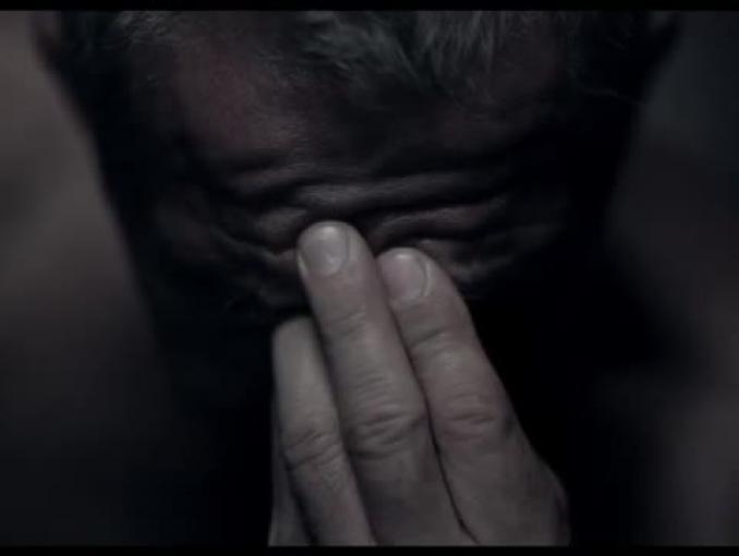 Mądre leczenie bólu w reklamie Apapu