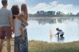 Rodzinne wakacje reklamują konto Wymarzony Cel w Raiffeisen Polbanku
