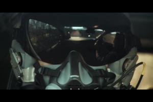 Pakiet Toyota Safety Sense reklamowany z pilotem myśliwca