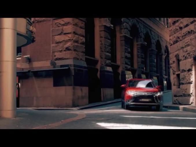 """Nowy Mitsubishi Outlander reklamowany jako """"jeszcze doskonalszy"""""""