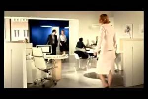 Szymon Majewski jako Krystyna w reklamie PKO BP (1)