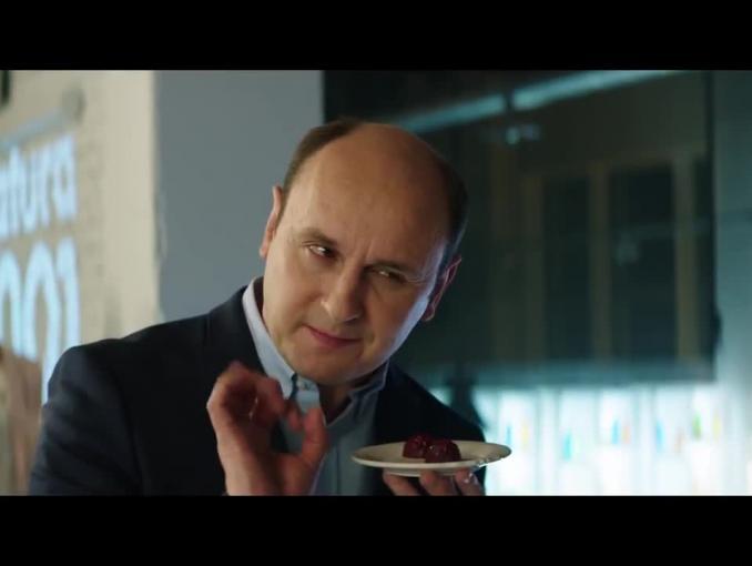 Adam Woronowicz na spotkaniu klasowym w reklamie ING Banku Śląskiego
