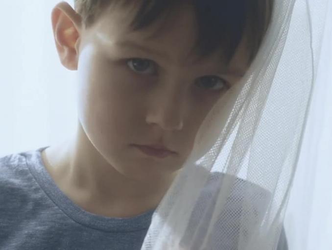 Pomóż mi zostać szczęśliwym dorosłym - spot Fundacji Dzieci Niczyje