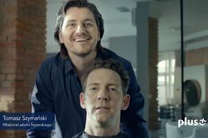 Stephane Antiga u fryzjera reklamuje Ja+ Moja Firma w Plusie