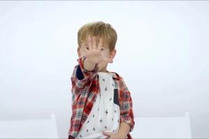 Chylińska i Wojewódzki z dziećmi reklamują Internet Elastyczny w Play