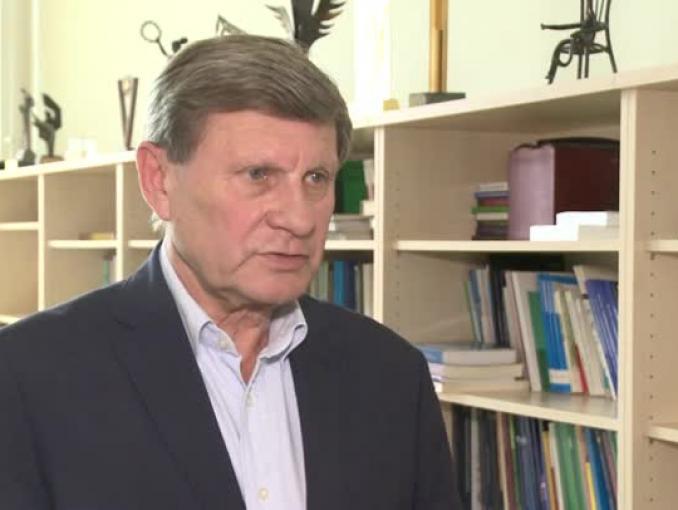 Leszek Balcerowicz: Dla globalnych inwestorów liczą się przede wszystkim sytuacja w Chinach i wyniki kampanii prezydenckiej w USA