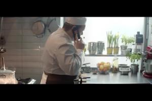 Rozgadani kucharze reklamują Orange dla Firm