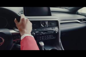 Nowy Lexus RX. Gwiazda wśród SUVów i Jude Law