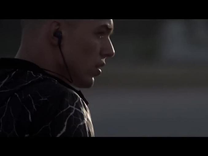 """""""Zacznij. Wytrwaj"""" - spot 4F z Adamem Kaszewskim"""